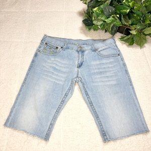 True Religion Men Distressed  Cutoff Shorts Sz 38